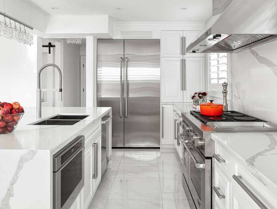 White Transitional Luxurious Kitchen
